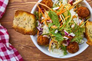 Roti salad menu praktis untuk sahur (Foto: Pixabay)