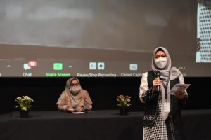 Mom Ika selaku Ketua HmC Bekasi saat Press Conference Bekasi Sharia Festival 2021 di Grand Galaxy Park Mall (Foto: HmC Bekasi)