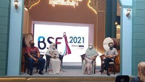 Talkshow inspiratif perjalan hijrah bersama oleh Wakil Walikota Bekasi Dr. Tri Adhianto beserta istri Wiwiek Hargono Tri dan artis sekaligus influencer Adrian Maulana dan Dessy Ilsanti.