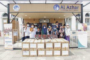 Pakalolo Beri Bantuan Sandal untuk Yatim LAZ Al Azhar
