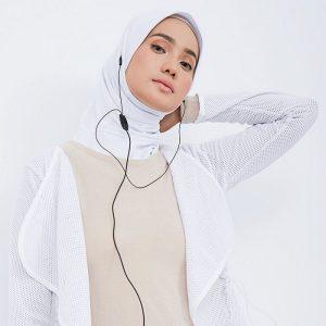 4 Hijab yang Wajib Kamu Bawa Saat Traveling